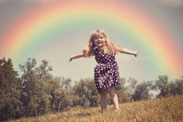 Baila con el arco iris